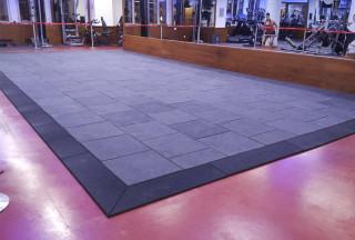 Odhlučnění činkové zóny Jatomi Fitness
